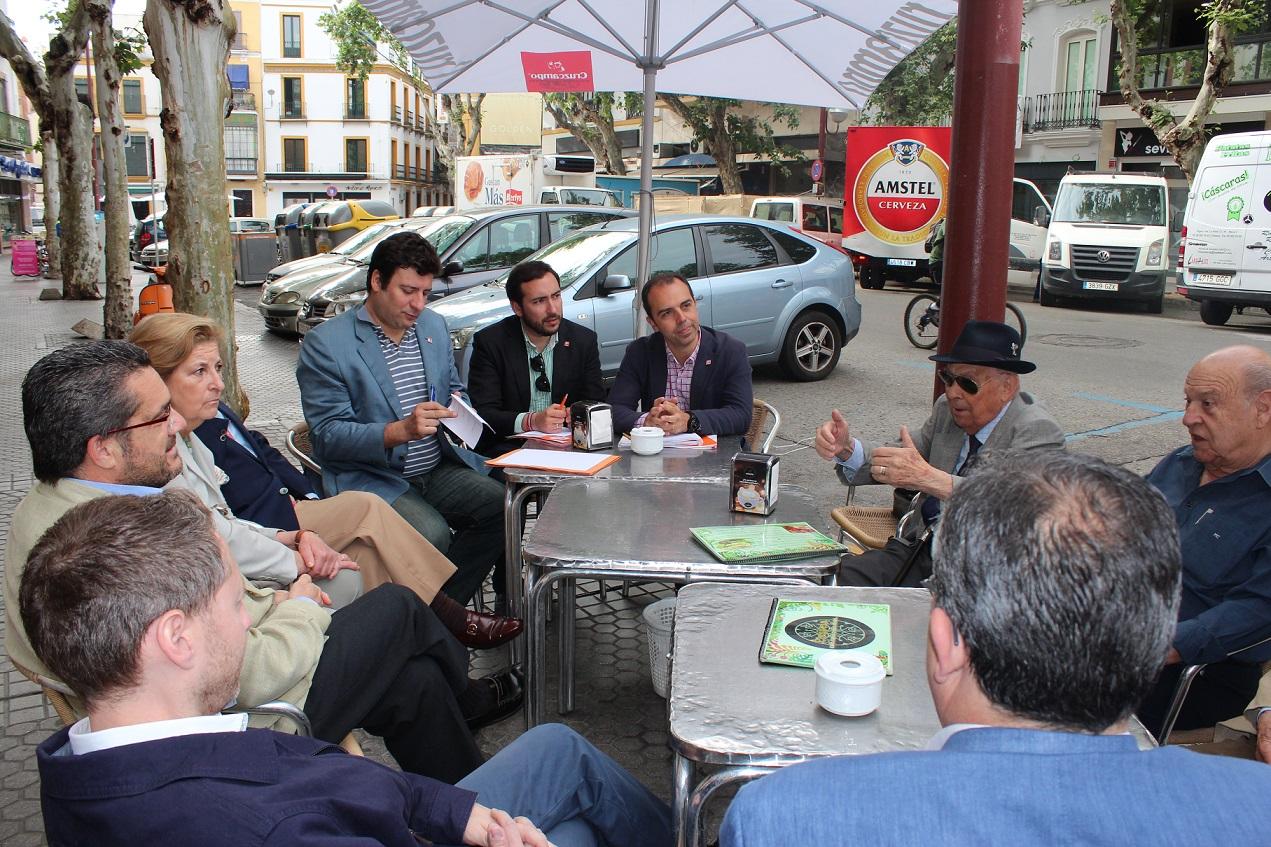 Reunión Vecinos Distrito Casco Antiguo