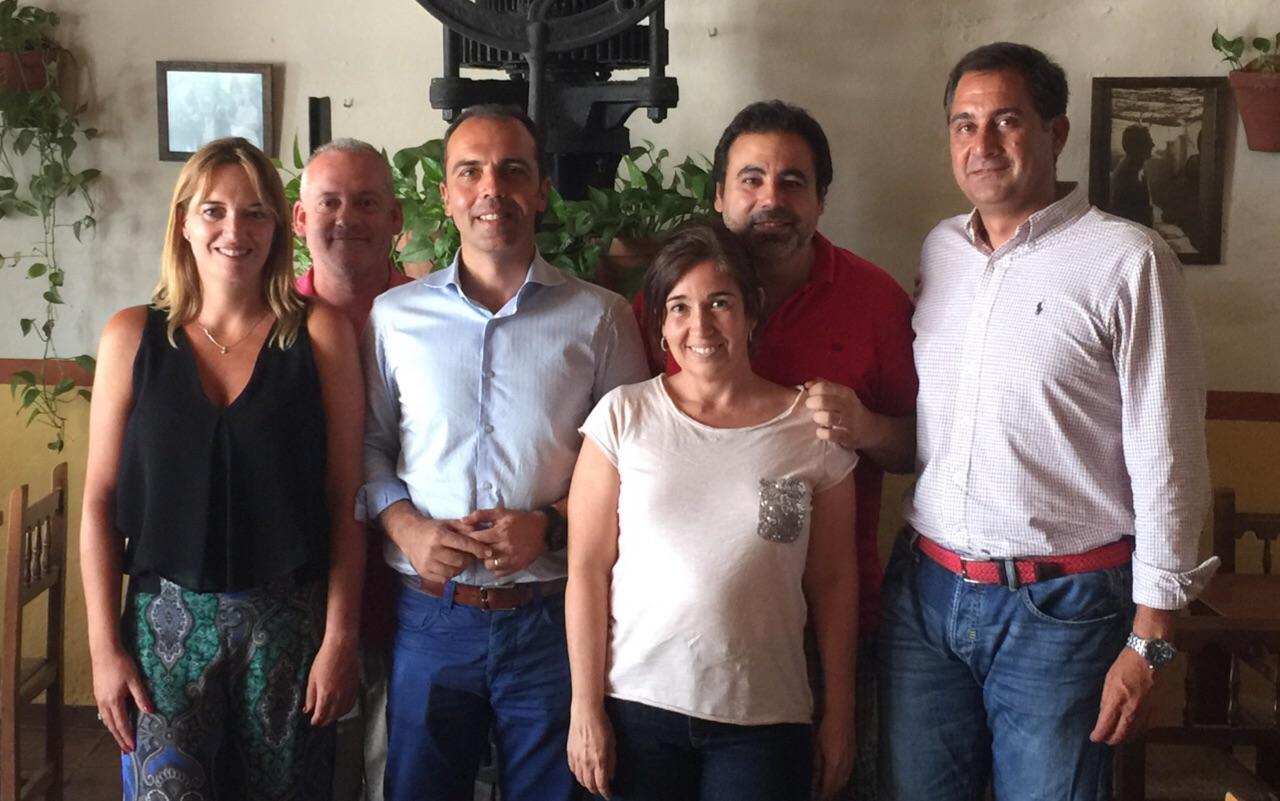 Con el coordinador Antonio Bejarano y los concejales Manuel Romero, Juan Miguel Figueroa, Silvia Lainez, Cira de la Cruz