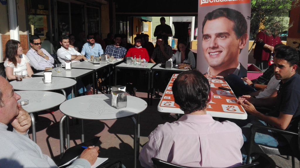 Asistentes al Café Ciudadano Movilidad y Transporte en el Aljarafe
