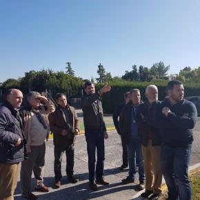 Ciudadanos consigue que el delegado de fomento visite Espartinas para conocer las deficiencias de la carretera A-8076 a su paso por Espartinas