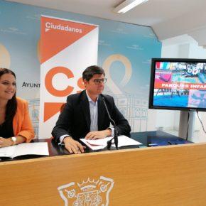 """Ciudadanos denuncia la """"paralización"""" del nuevo contrato de conservación de parques infantiles"""