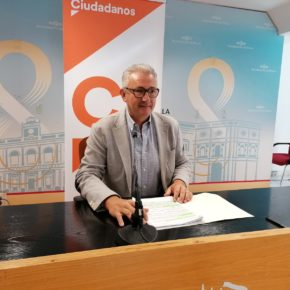 """Ciudadanos advierte del """"limbo jurídico"""" en el que el gobierno municipal va a sumir a los veladores"""