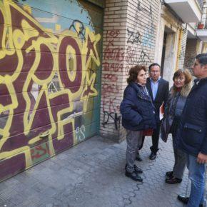 """Ciudadanos denuncia """"la invasión de grafitis"""" en el barrio de San Lorenzo por """"la llegada de okupas"""""""