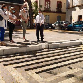 """Ciudadanos denuncia """"la degradación extrema"""" de la Plaza de los Curtidores y alerta del """"peligro de caídas"""" en su fuente"""