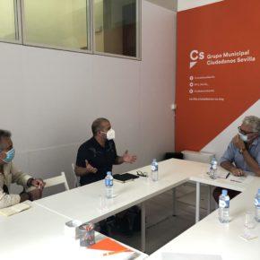 """Ciudadanos reclama la firma de """"un convenio con el ICAS"""" para """"garantizar el futuro"""" de los artistas de la Plaza del Museo"""
