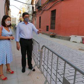 """Ciudadanos exige """"explicaciones"""" sobre el destino del adoquín de Gerena de la calle Mateos Gago"""