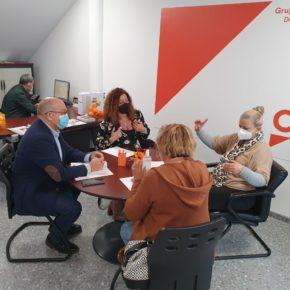 Ciudadanos traslada a los representantes de los empleados de Ayuda a Domicilio de Dos Hermanas su propuesta para el incremento del previo/hora del servicio