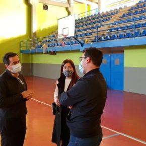 Ciudadanos propone la mejora de las canchas del pabellón deportivo municipal de San Juan de Aznalfarache
