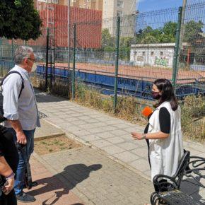 """Ciudadanos denuncia el """"abandono"""" de la pista deportiva de Macarena-Tres Huertas, """"convertida en refugio para personas sin hogar"""""""